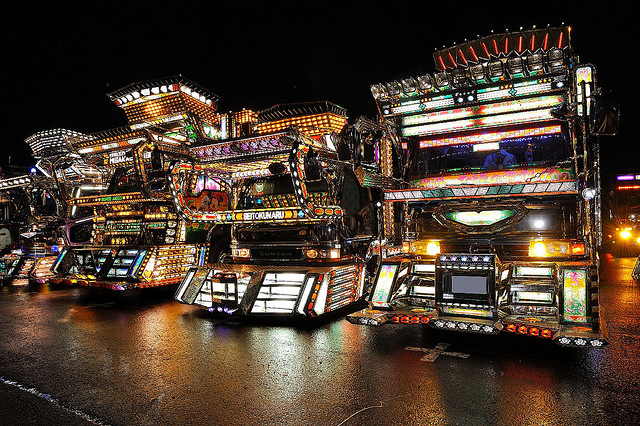 Dekotora art truck from Japan --