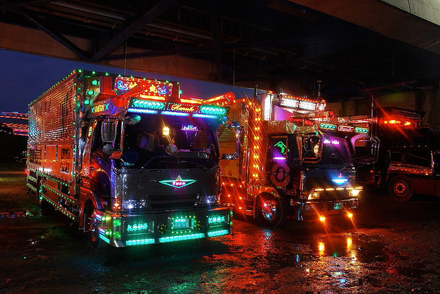 Dekotora Japanese art truck -- 