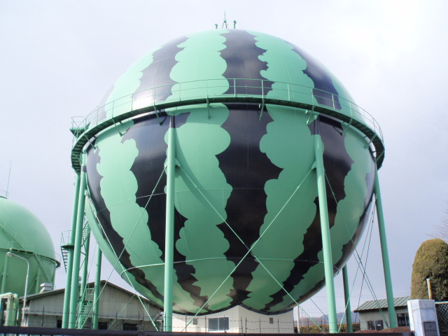 Gas tank art in Japan --